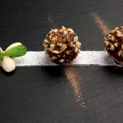 praline-chocolates-almond-praline